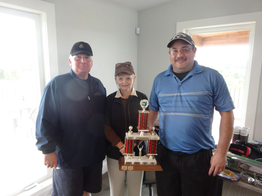 Gord Peters team wins annual Club golf tourney