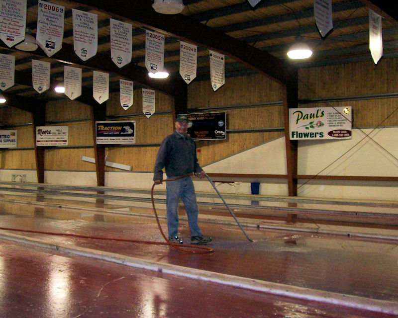 The Cornwall Curling Club is looking for an assistant icemaker