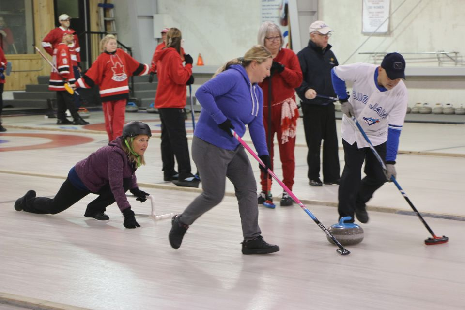 Welcome to the 2018-2019 season! Daytime curling, and Free adult curling lessons start Oct. 15