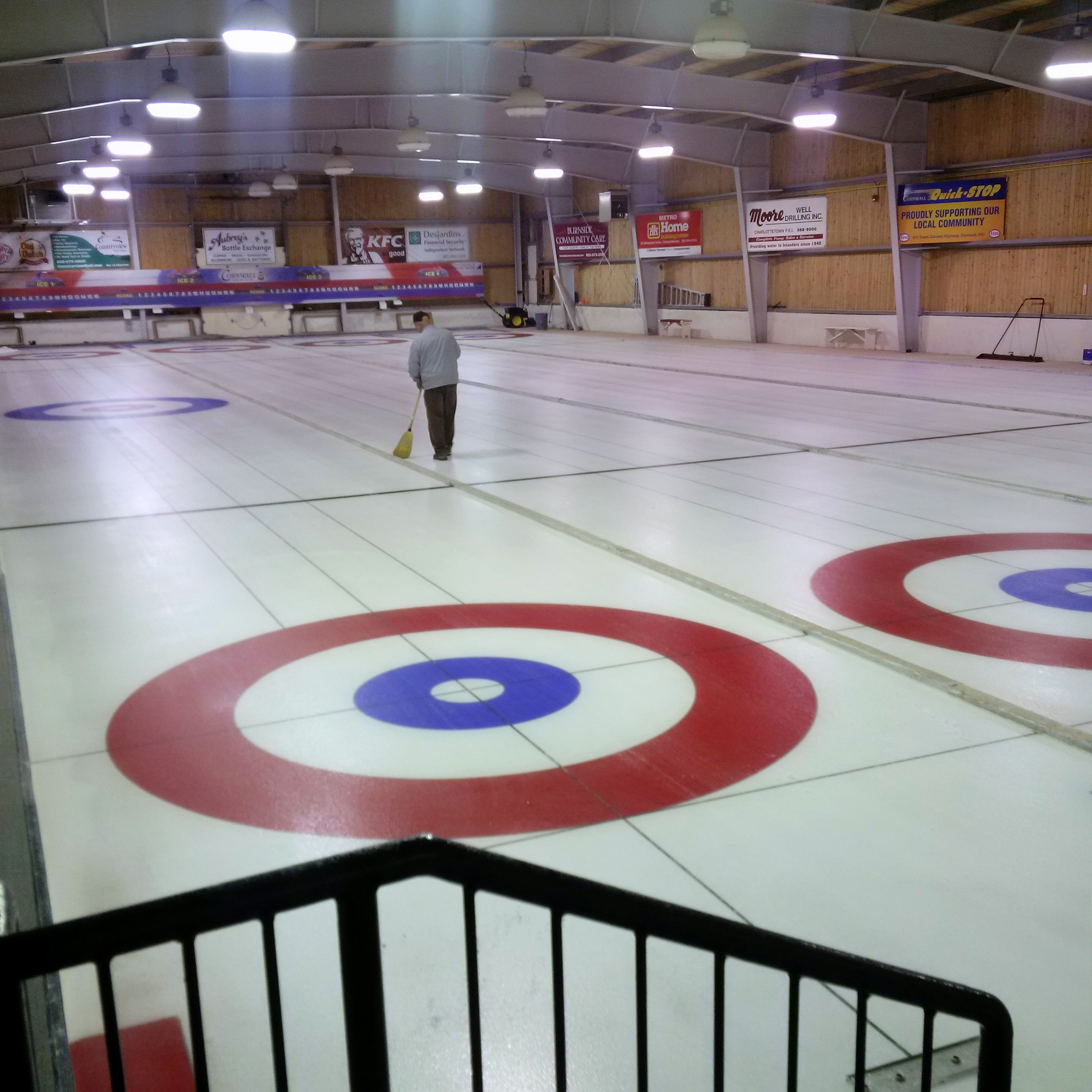 It's time to curl! Daytime Drop-In curling goes at 10 am, Curling School starts this eve., New Member Reg. is Wed. eve.